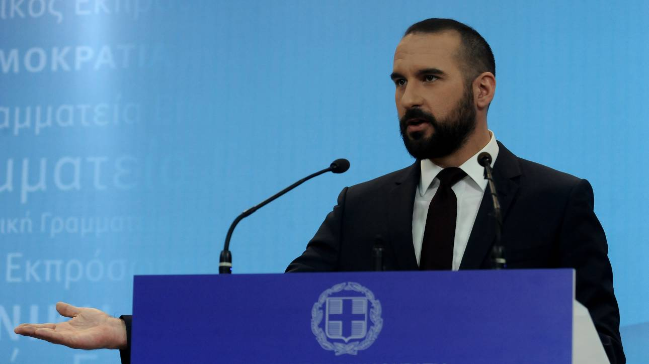 Τζανακόπουλος: Ανυπόστατα τα σενάρια για μέτρα το 2018
