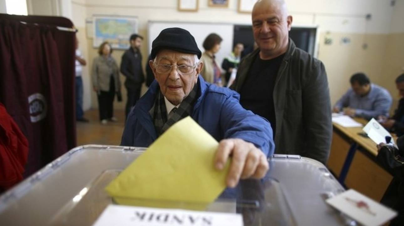 Δυσαρεστημένοι με τη Δημοκρατία οι Αυστριακοί - 23% ζητά έναν «ισχυρό Φύρερ»
