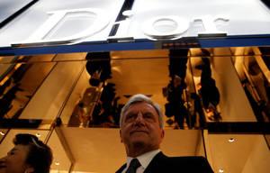 Ο Σίντνεϊ Τολεντάνο, ο πρόεδρος και διευθύνων σύμβουλος του Dior, μέλους του ομίλου LVMH, δήλωσε ωστόσο ότι δεν ανησυχεί θεωρώντας τη σημερινή κατάσταση κυκλική σε σχέση με τα τελευταία 20 χρόνια.