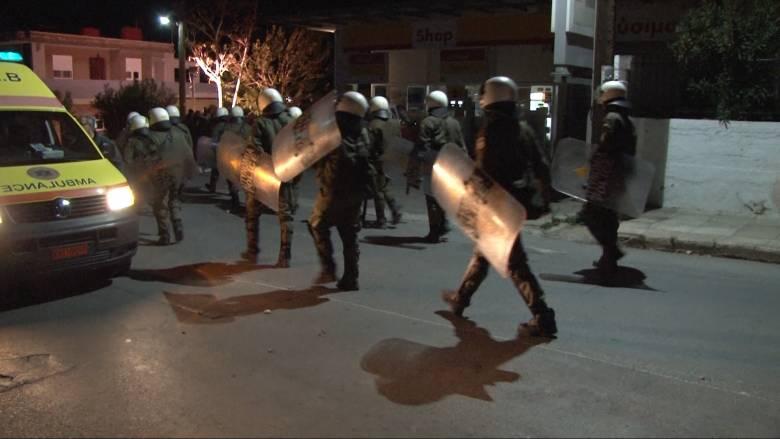 Συλλήψεις ακροδεξιών μετά από επίθεση στον προσφυγικό καταυλισμό της Σούδας