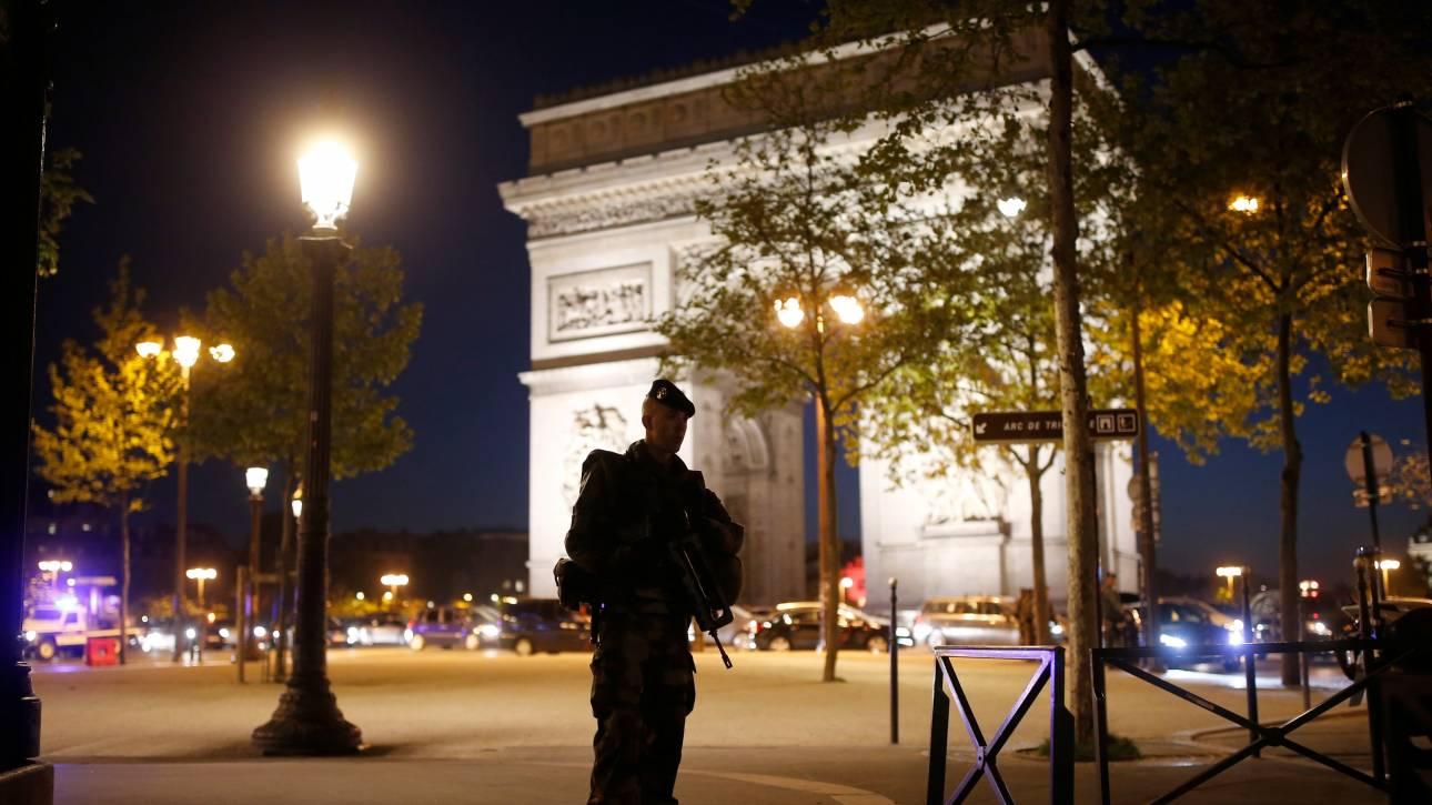 Παρίσι: Σημείωμα υπέρ του ISIS βρέθηκε κοντά στο πτώμα του δράστη