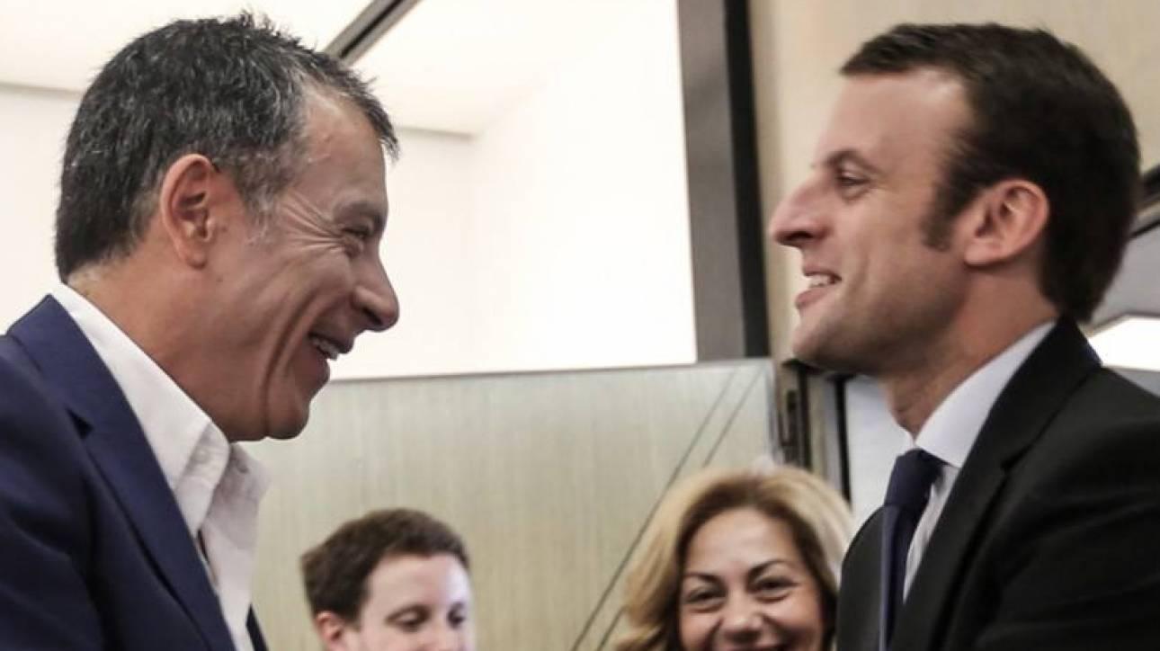 Ο Σταύρος Θεοδωράκης στηρίζει Μακρόν: Εμπρός Εμανουέλ...
