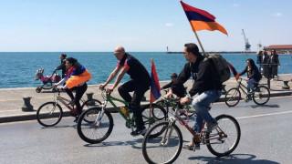 Ποδηλατοπορεία και σιωπηλή διαμαρτυρία για τη Γενοκτονία των Αρμενίων (pics&vid)