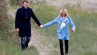 Η βόλτα Μακρόν - Τρονιέ λίγες ώρες πριν από τον πρώτο γύρο των γαλλικών εκλογών (pics)