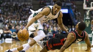 NBA: Το Τορόντο σταμάτησε τον Αντετοκούνμπο και έχασαν οι Μπακς (vid)