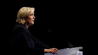 Γαλλικές εκλογές: Το «πάθημα» της Μαρί Λεπέν με τις αφίσες