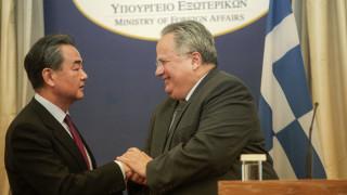 Συνάντηση Κοτζιά με τον Κινέζο ομόλογό του: Η Κίνα είναι αξιόπιστη και σταθερή φίλη της Ελλάδας