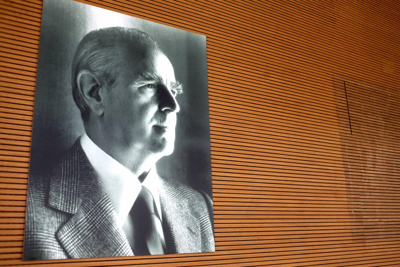 Κωνσταντίνος Καραμανλής: Μεγάλα λόγια για τον πολιτικό 19 χρόνια μετά