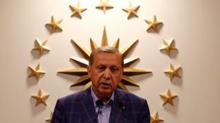 Διπλωμάτης για Τουρκία: Εμφύλιος ή δολοφονία Ερντογάν
