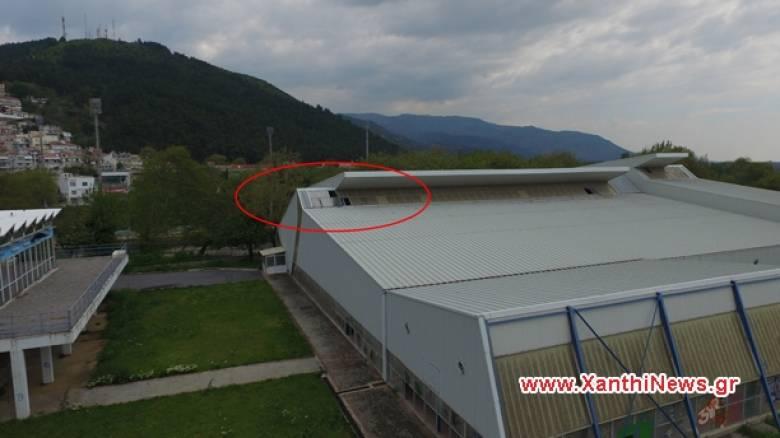 Ξάνθη: 16χρονος έπεσε από την οροφή του κολυμβητηρίου και τραυματίστηκε σοβαρά (pics&vid)