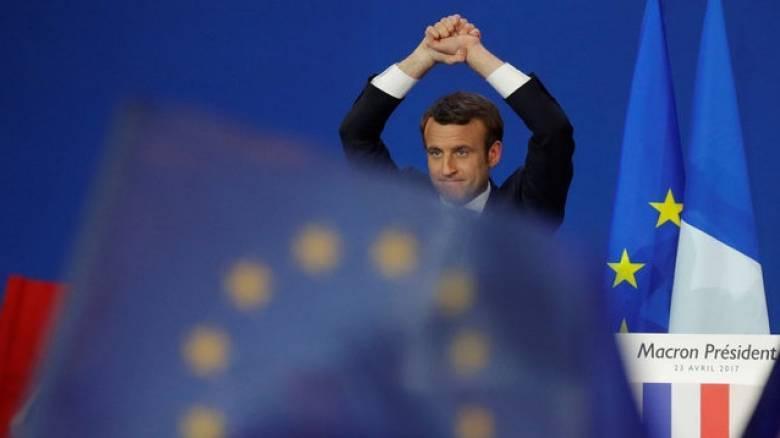 Γαλλικές Εκλογές: Ανακούφιση στην Ευρώπη, χαμόγελα στο Μαξίμου