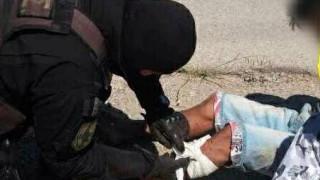Αστυνομικός της ΔΙΑΣ προσέφερε τις πρώτες βοήθειες σε διαρρήκτη πριν τον συλλάβει (pic)