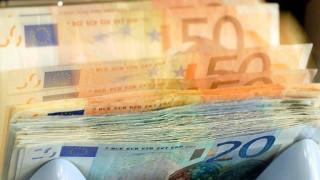 Eurostat: Στο 179% το χρέος στην Ελλάδα το 2016 - Στο 0,7% του ΑΕΠ το πλεόνασμα