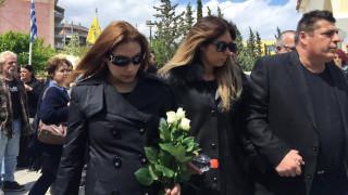 Κηδεία Στάθη Ψάλτη: Πλήθος κόσμου αποχαιρετά τον αγαπημένο ηθοποιό (pics&vids)