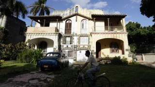 Οι Βρετανοί αγοράζουν λιγότερα σπίτια στην Ισπανία μετά το Brexit