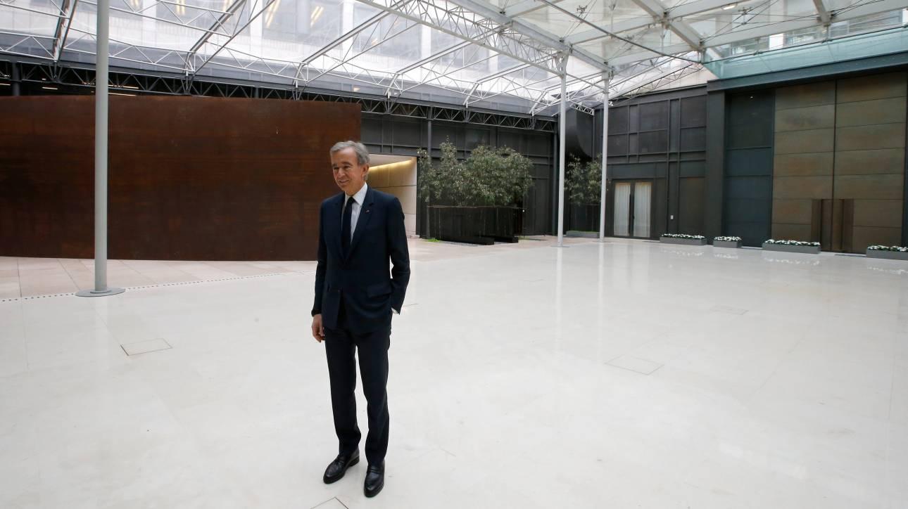 Μπερνάρ Αρνό: Με €12.1 δισ. ο κροίσος της Louis Vuitton αλλάζει τη μόδα