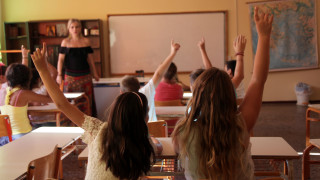Πόσα χρήματα ξοδεύουν οι Έλληνες για φροντιστήρια