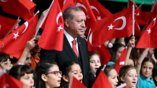 Ανοιχτή κόντρα Τουρκίας - Ε.Ε για τις ενταξιακές συνομιλίες και το δημοψήφισμα