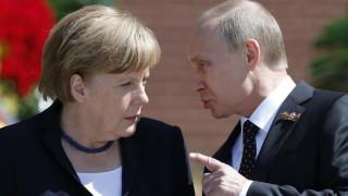 Συνάντηση Μέρκελ - Πούτιν στις 2 Μαΐου στη Ρωσία