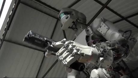 Οπλισμένος κι επικίνδυνος ο «Terminator» της Ρωσίας