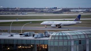 Αποζημίωση 10.000 δολαρίων θα προσφέρει η United Airlines σε επιβάτες υπεράριθμων πτήσεων