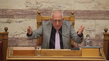 Να διερευνηθούν οι συμβάσεις των συμβούλων του ΥΠΟΙΚ, ζητά ο Κακλαμάνης