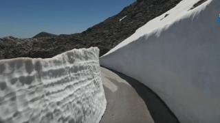 Όταν ο Ψηλορείτης θυμίζει Ανταρκτική με πέντε μέτρα χιόνι (vid)