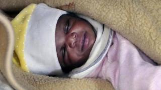 Ιταλίδα αγόρασε παράνομα ένα μωρό και το επέστρεψε λόγω... χρώματος