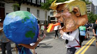 ΗΠΑ: Ογκώδης πορεία κατά της κλιματικής αλλαγής