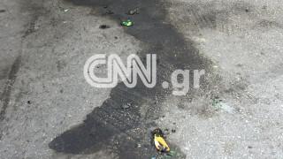 Κουκουλοφόροι έριξαν βόμβες μολότοφ στη Χαριλάου Τρικούπη