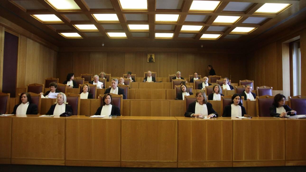 Το ΣτΕ αποφασίζει για τις περικοπές στις αποδοχές των καθηγητών ΤΕΙ