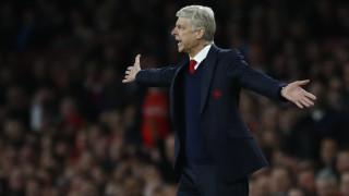 Premier League: Ο Βενγκέρ σε κρίση στην Άρσεναλ τραγουδά το «Human» (vid)