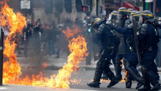 Πρωτομαγιά 2017: Σοβαρά επεισόδια στο Παρίσι πριν τις κρίσιμες εκλογές (pics&vids)