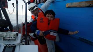 Χίος: Συνελήφθησαν 3 διακινητές - Διασώθηκαν 57 πρόσφυγες