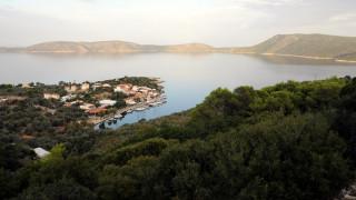 Βόλος: Ένταση στο λιμάνι - Απεργοί μπλόκαραν τον απόπλου πλοίου για Σποράδες