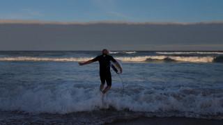 Σκωτία: Βρέθηκε εξαφανισμένος σέρφερ έπειτα από 30 ώρες στο νερό