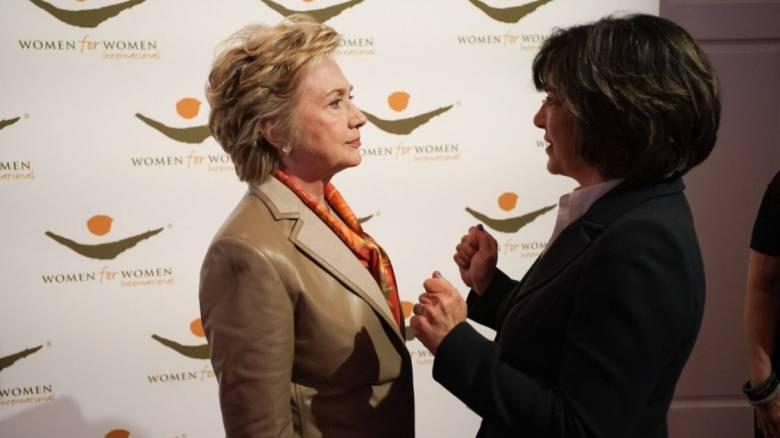 Χίλαρι Κλίντον: Οι Ρώσοι χάκερς και το FBI ευθύνονται για την ήττα μου (pics&vids)