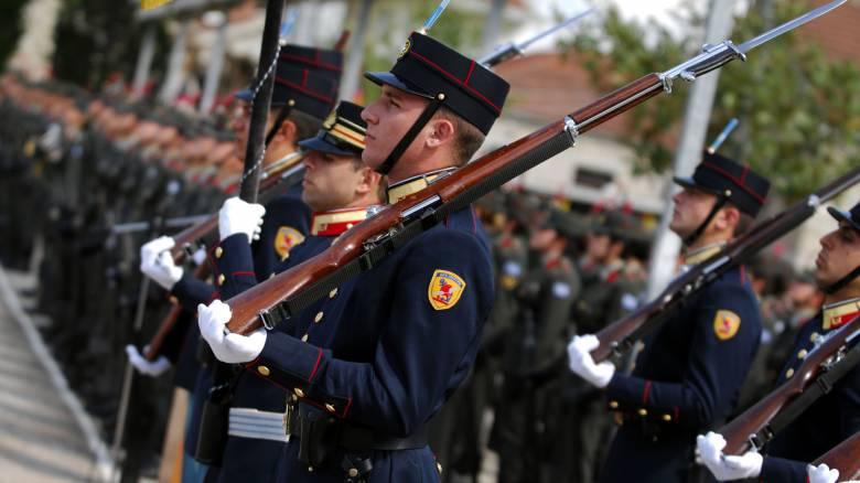 Νέο «χαράτσι» για τους στρατιωτικούς: Υποχρεώνονται να πληρώνουν τις 10 στολές τους