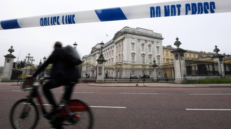 Μπάκιγχαμ: Δεν αφορά την υγεία της βασίλισσας ή του πρίγκιπα η έκτακτη σύσκεψη στο παλάτι