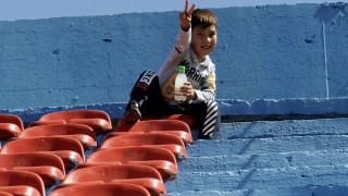 32 βουλευτές του ΣΥΡΙΖΑ ζητούν ζώνες ασφαλείας στους καταυλισμούς για τα ασυνόδευτα προσφυγόπουλα
