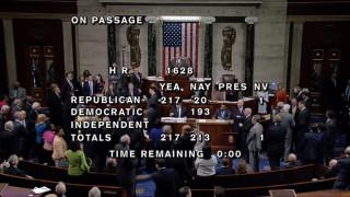 ΗΠΑ: Εγκρίθηκε η αντικατάσταση του Obamacare