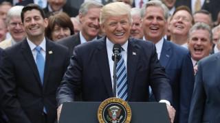Ο θριαμβευτικός λόγος του Τραμπ για την αντικατάσταση του Obamacare (pics)
