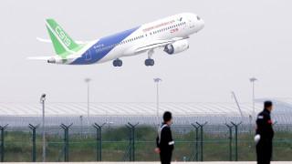 Το πρώτο αεροσκάφος «made in China» έκανε το παρθενικό του ταξίδι (pics)