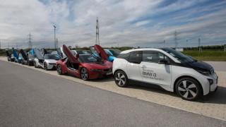 Οι ηλεκτρικές και υβριδικές BMW ξεχωρίζουν και για το fun to drive τους