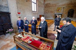 Η Αγία Ελένη «δίνει» μαθήματα στην Ευρώπη και «φωτίζει» τη χαμένη ταυτότητά της