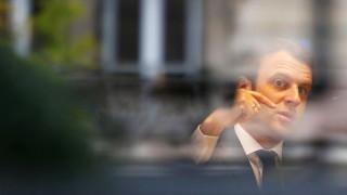 Εμανουέλ Μακρόν: Θα ηγηθώ της «μάχης» για αναδιάρθρωση του ελληνικού χρέους