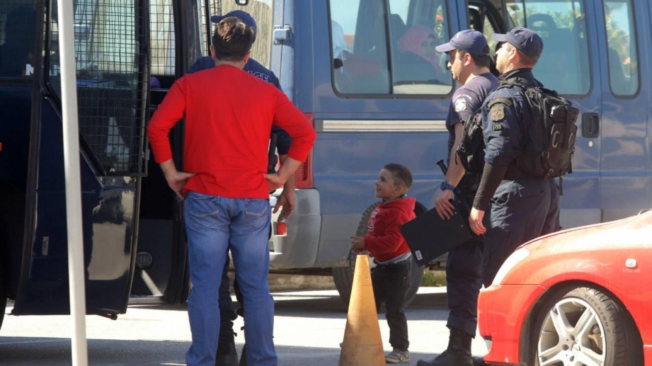 Χίος: Μετανάστης προσπάθησε να διαφύγει κρυμμένος σε βαλίτσα