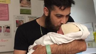 Καναδάς: Σύροι πρόσφυγες ονόμασαν το νεογέννητο μωρό τους Τζάστιν Τριντό