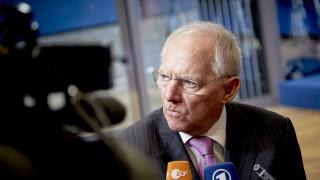 SPD: Ο Σόιμπλε συγκάλυψε την κατασκοπία από την Ελβετία