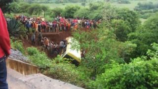 Τανζανία: Τους 35 έφτασαν οι νεκροί από το τροχαίο δυστύχημα με σχολικό λεωφορείο
